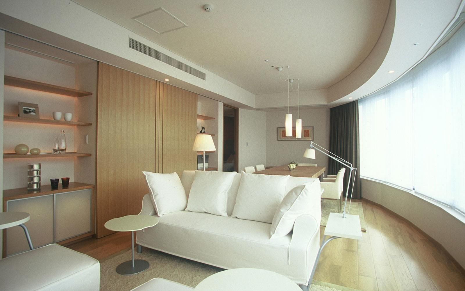 Park suite tokyo hotel park hotel tokyo for Best boutique hotels japan